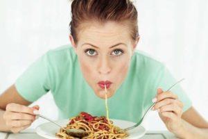 Dieta low carb: fa perdere meno grasso di una low-fat