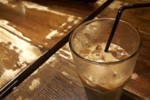 Occhio alle bevande: calorie di alcolici e cocktail