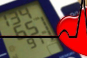 Ipertensione, gli integratori alimentari e i cibi giusti per combatterla