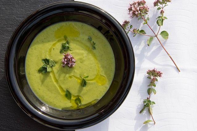 la zuppa di cavolo detox e drenante
