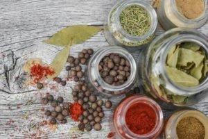 Ridurre il sale con il mix di erbe e spezie del dr Oz