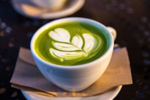 Cappuccino vegano mandorle e matcha