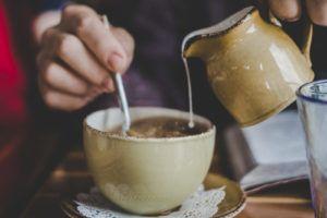 Moon milk: la ricetta del latte per dormire meglio