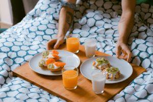 BB, la dieta con colazione abbondante: via 5 kg al mese