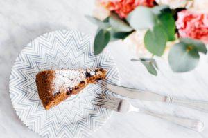 Torta biscotto al cioccolato: solo 123 calorie a fetta.