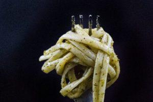 Come fare una pasta a basso indice glicemico (e quanta mangiarne)