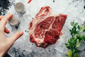 Mangiare carne migliora la salute cardiovascolare?