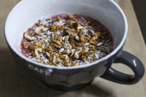 La ricetta della crema Budwig per una colazione salutare