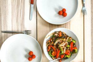 Mangiare insieme agli altri ti fa ingrassare?