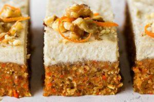 Torta senza cottura alle carote: sana e light